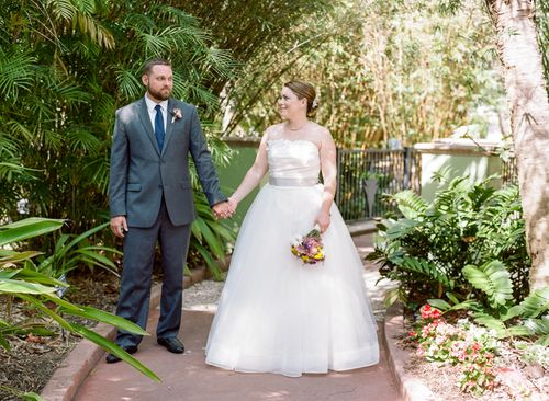 Shannon and Paul's Florida Glamping Wedding for Under $5,000 || Photo: Emily Katharine Photography