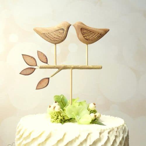 My 9 Favorite Wedding Cake Toppers from Etsy || Wooden Heart Buttons