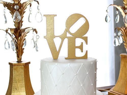 My 9 Favorite Wedding Cake Toppers from Etsy || Wedding Cuts