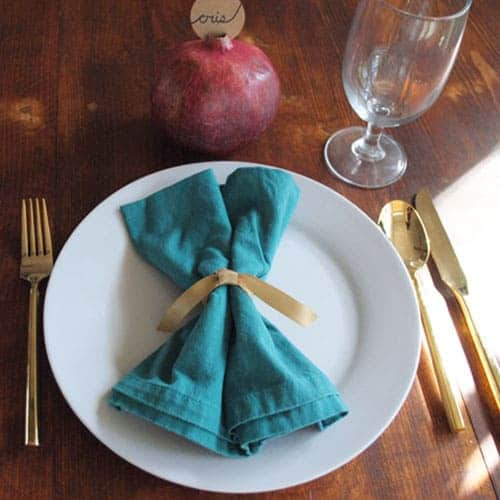 The Step-by-Step Guide to Hosting a High Style, Low Budget Thanksgiving! Better Table Setting
