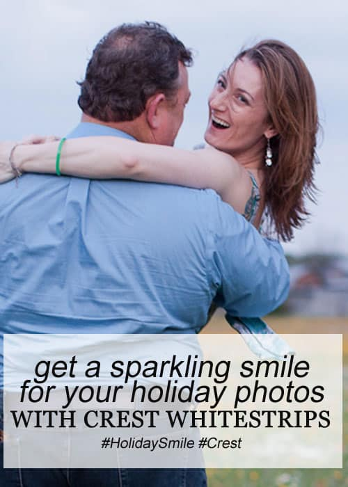 Get a Sparkling Smile for Your Holiday Photos with Crest 3D White Whitestrips 1-Hour Express Teeth Whitening Kit #HolidaySmile #Crest