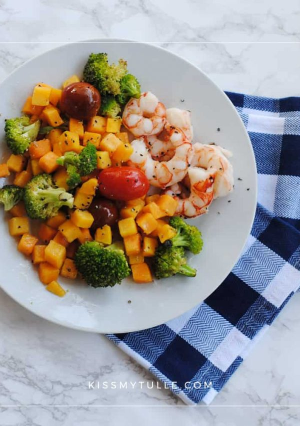 Roasted Shrimp and Vegetables with Crisco® Unrefined Organic Coconut Oil is the Perfect Fall Sheet Pan Meal #CriscoCoconutOil #IC #ad