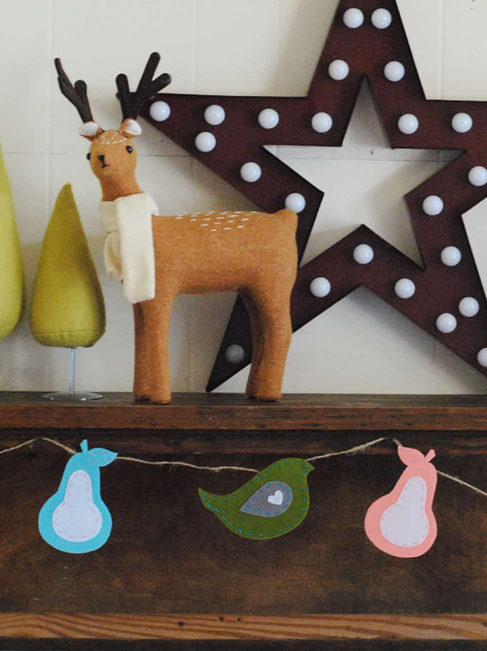 Alaskan lifestyle blogger, Cris Stone, made a cute felthandmade partridge and pears garland for the holidays!