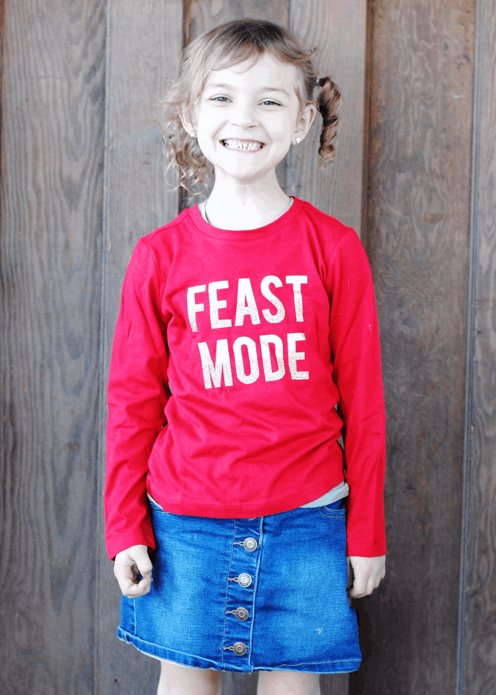 "For the next couple of weeks, it's going to be ALL #Thanksgiving all the time around here. I love T-Day! First up, this cute ""Feast Mode"" tee for Melanie! #DIY #CricutMade"