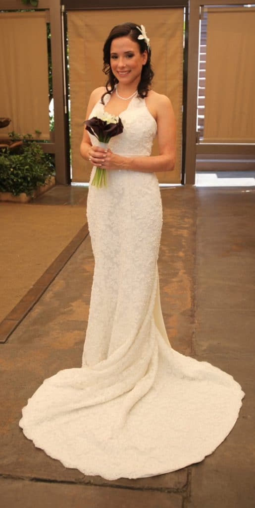 San Antonio lifestyle blogger, Cris Stone, shares the incredible story of how she got her FREE wedding dress. Find out more!